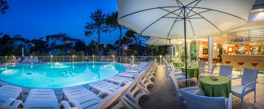 Albergo con piscina a Lignano Sabbidoro