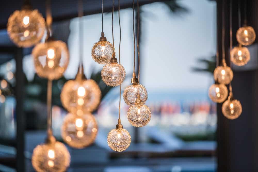 matrimonio di luce in fotografia, light design e architettura fotografo lignano
