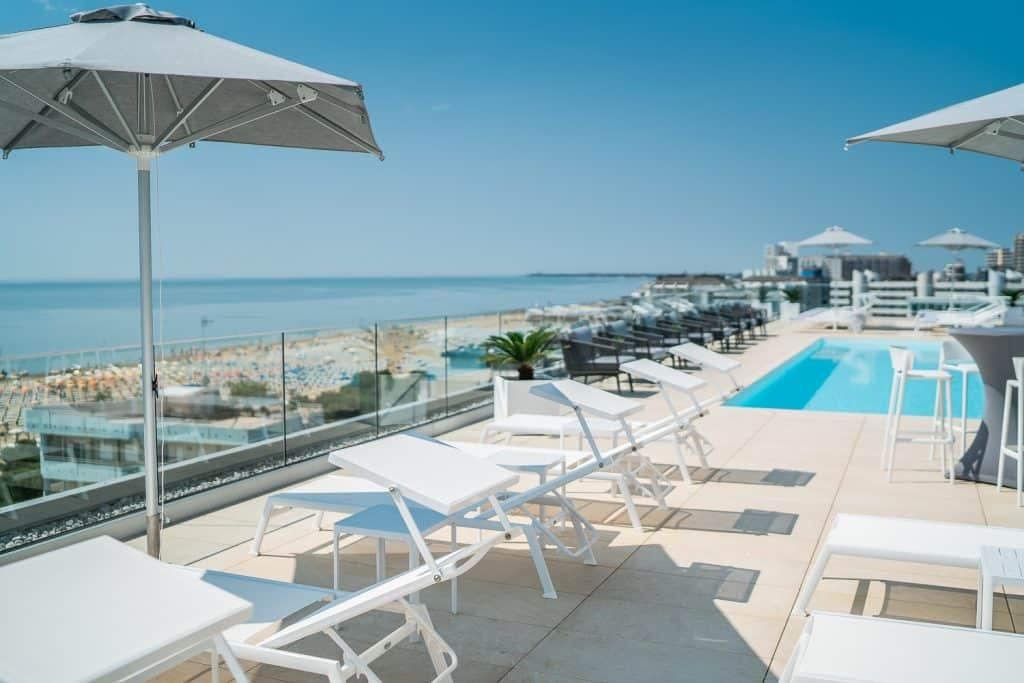 piscina a Lignano Sabbiadoro, fotografo hotel treviso