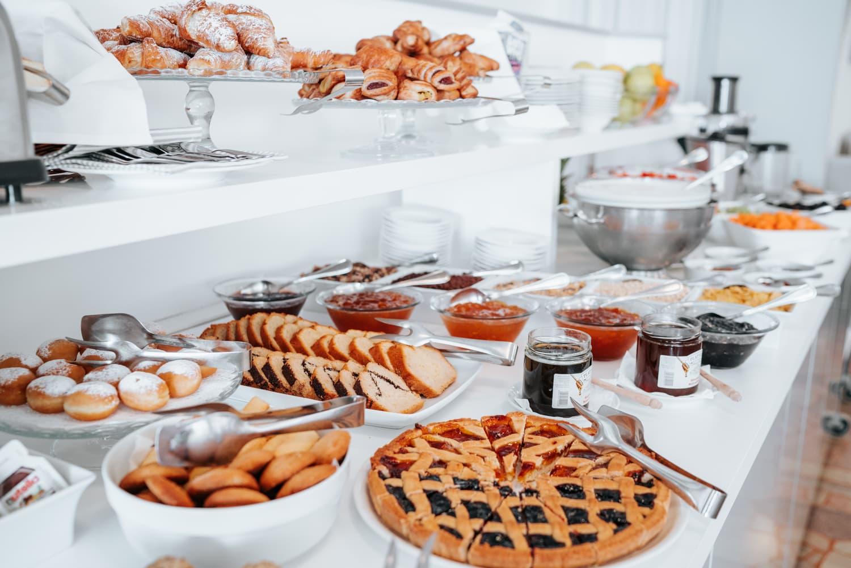 colazione buffet in hotel a lignano