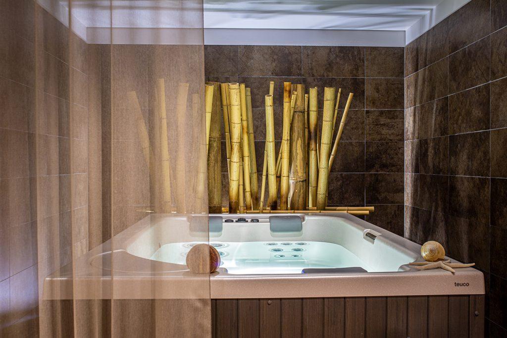 fotografo interni udine vasca idromassaggio in zona spa in hotel a lignano sabbiadoro