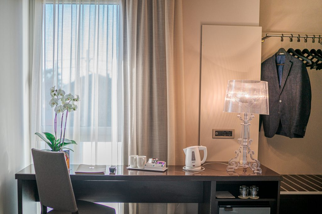 scrivania in business hotel a gorizia